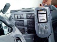 Tachodata - Veel boordcomputerleveranciers bieden nu de mogelijkheid om de chauffeurskaart van de digitale tachograaf via de boordcomputer uit te lezen.