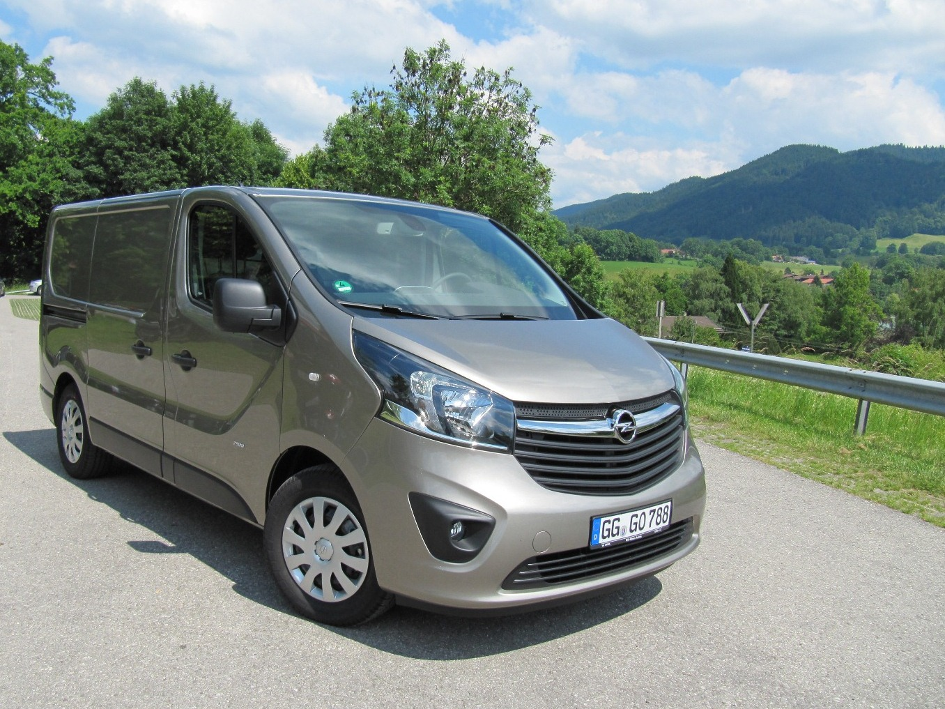 2015 opel vivaro specs and price 2017 2018 best cars reviews. Black Bedroom Furniture Sets. Home Design Ideas