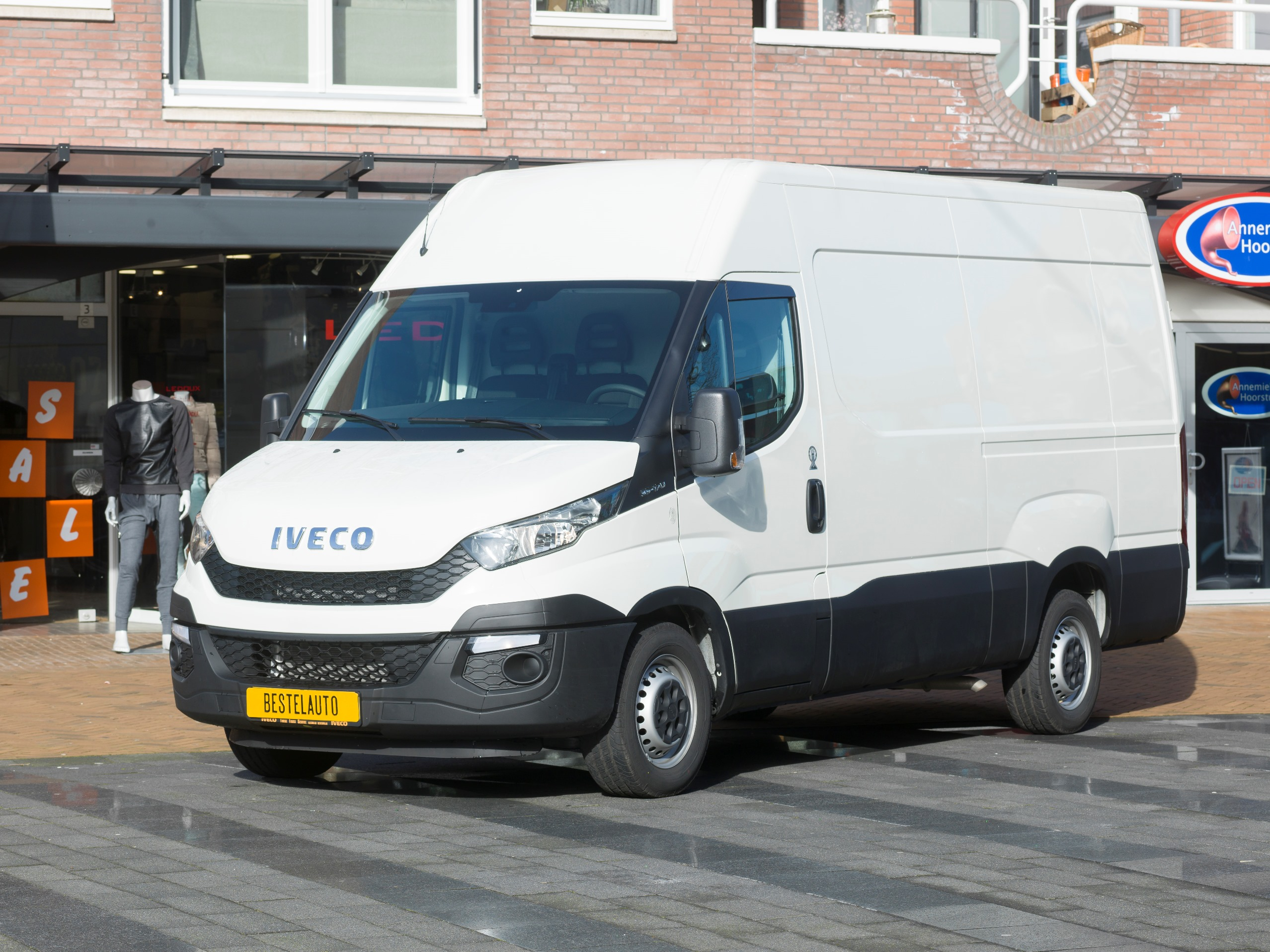 Iveco Daily 35S17 HiMatic • Bestelautonl