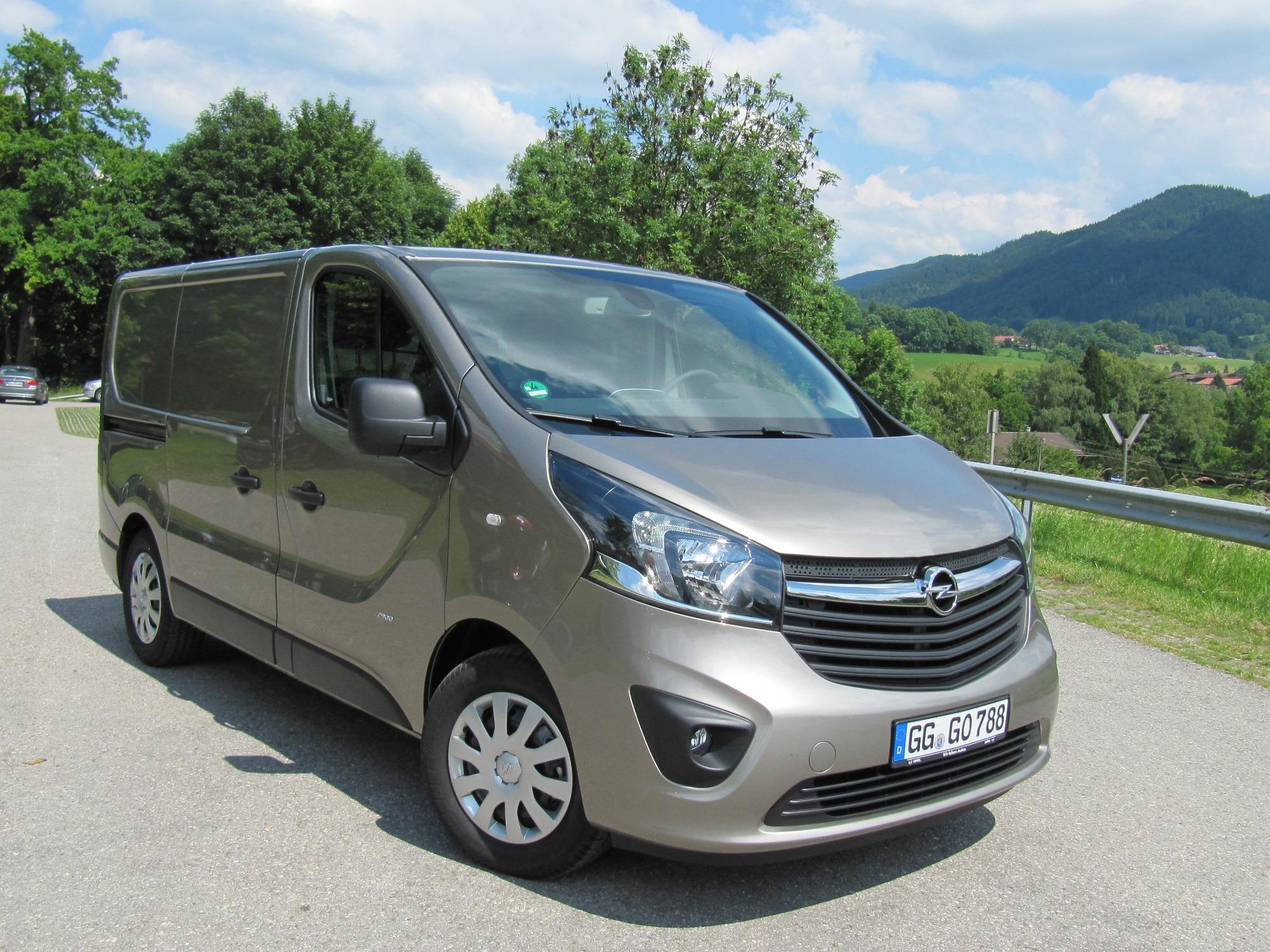 euro 6 diesels voor vivaro movano en combo. Black Bedroom Furniture Sets. Home Design Ideas